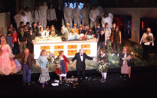 Hansel gretel at the royal opera house jetzt neu mit for Covent garden pool table