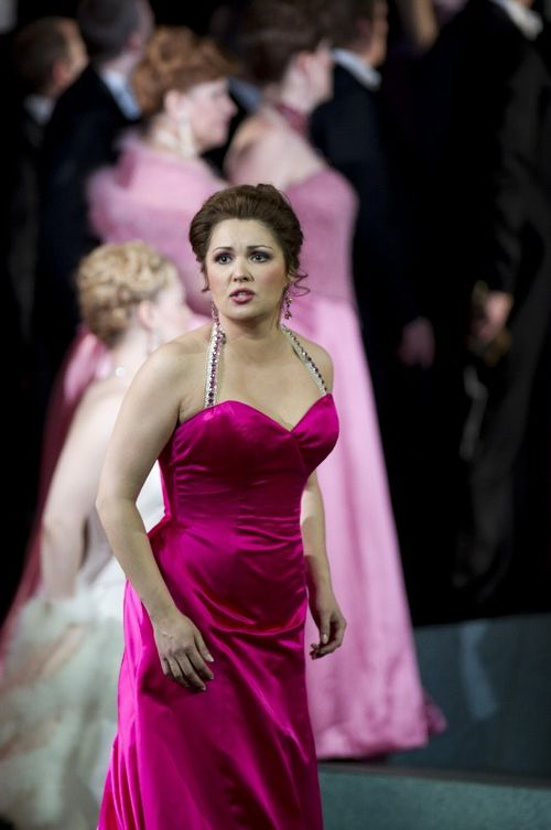 MANON-BC201006190794-NETREBKO AS MANON-(C)COOPER (531x800)