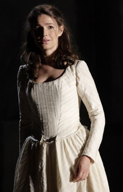 2476ashm_162 WERTHER. KOCH AS CHARLOTTE (C) ASHMORE 2011 (659x1024)