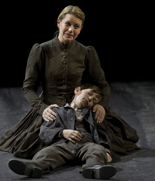 PETER GRIMES.110615_0271. ROOCROFT AS ELLEN ORFORD, COPPLESTONE AS JOHN (C) BARDA 2011 (878x1024)