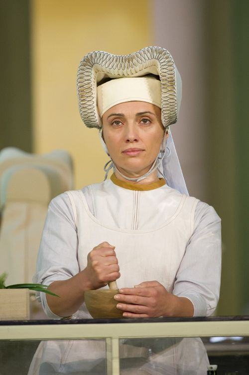 SUOR ANGELICA BC201109090720 - JAHO AS SISTER ANGELICA (C) BILL COOPER (531x800)