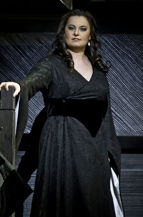 MACBETH.110521_0074. MONASTYRSKA AS LADY MACBETH (C) BARDA 2011 (673x1024)