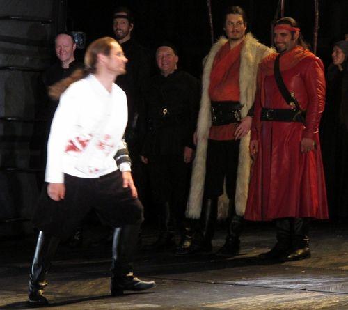 Macbeth roh 240511 015 (800x712)