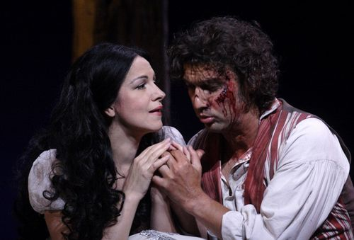 TOSCA.2490ashm_142. (LEFT TO RIGHT) GHEORGHIU AS TOSCA, KAUFMANN AS CAVARADOSSI  (C) ASHMORE 2011 (1024x694)