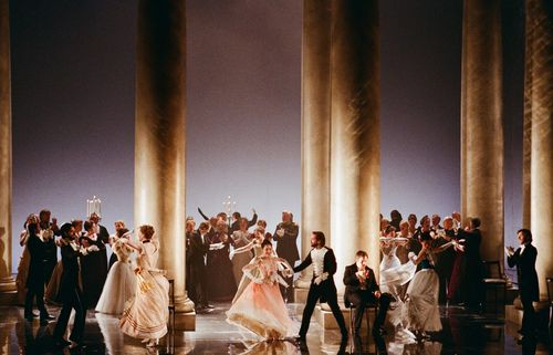 Eugene_Onegin_ENO_2011_Cast9_Credit_Neil_Libbert[1]