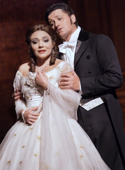 LA TRAVIATA - 2511ashm_182 - PEREZ AS VIOLETTA, BECZALA AS ALFREDO (C) ASHMORE (590x800)