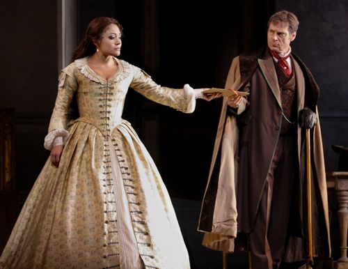 LA TRAVIATA 2511ashm_302 - PEREZ AS VIOLETTA, KEENLYSIDE AS GIORGIO GERMONT (C) ASHMORE (800x617)