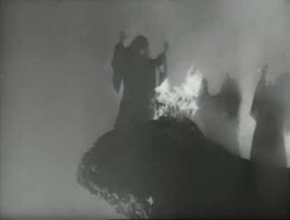 The+Three+Witches+in+Macbeth,+1948+film+by+Orson+Welles[1]