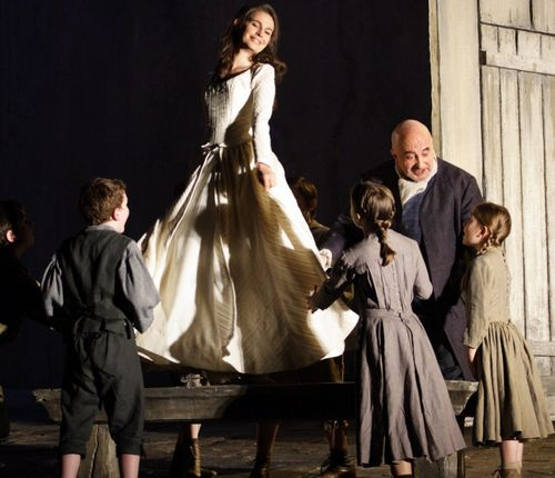 2476ashm_098 WERTHER. KOCH AS CHARLOTTE, VERNHES AS THE BAILLI (C) ASHMORE 2011 (1024x881)