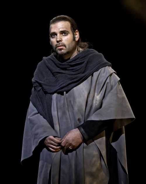 MACBETH.110521_0462. PITTAS AS MACDUFF (C) BARDA 2011 (814x1024)