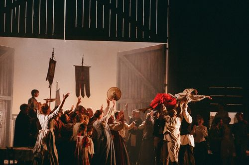 Eugene_Onegin_ENO_2011_Cast6_Credit_Neil_Libbert-3[1]