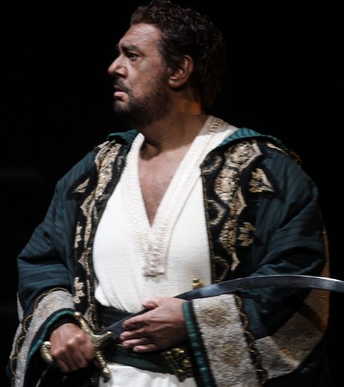DOMINGO CELEBRATION 2502ashm_0059 DOMINGO AS OTELLO (C) ASHMORE (710x800)