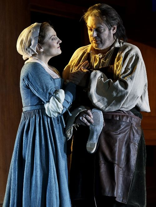 MEISTERSINGER 111216_0241 BELL AS EVA, KOCH AS HANS SACHS (C) BARDA (605x800)