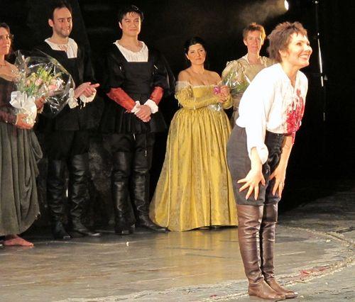 Rigoletto roh 300312 012 (640x545)