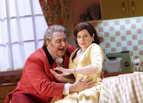 FALSTAFF 2541ashm_1086 MAESTRI AS FALSTAFF, MARTINEZ AS ALICE (C) ASHMORE (800x575)