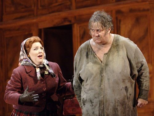 FALSTAFF 2541ashm_1257 LEMIEUX AS MISTRESS QUICKLY, MAESTRI AS FALSTAFF (C) ASHMORE (800x600)