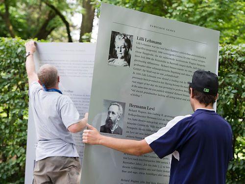 Bayreuth-erinnert-an-die-Nazi-Vergangenheit-auf-dem-Gruenen-Huegel[1]
