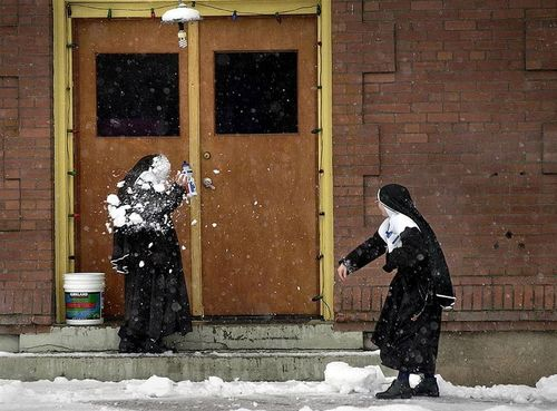 Nuns-snowball-fight[1]