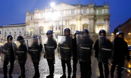 Police-outside-La-Scala-006[1]
