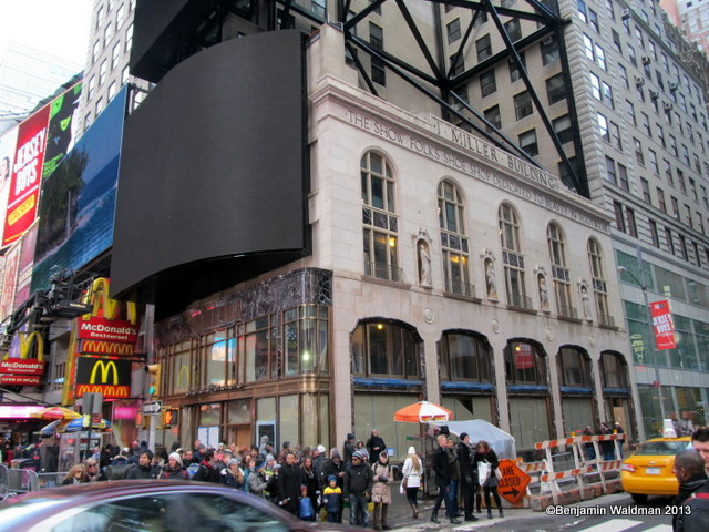 I-miller-shoe-store-times-square[1]