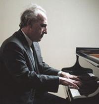 Maurizio_pollini_body_piano2